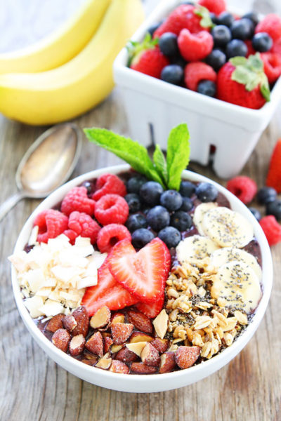 Healthy Berry Banana Smoothie Bowl